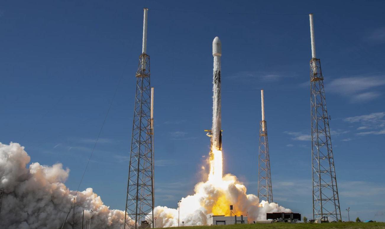 Ракета Falcon 9 взлетает в шестой раз