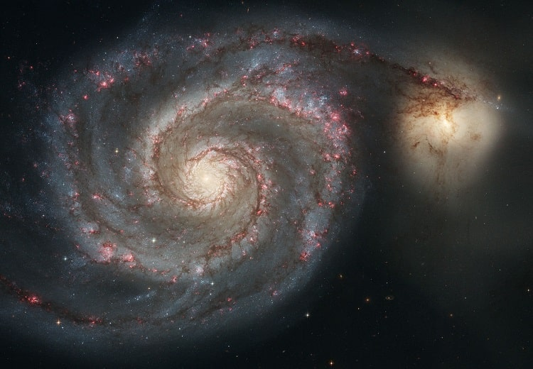 Спиральная галактика Водоворот и её компаньон NGC 5195.