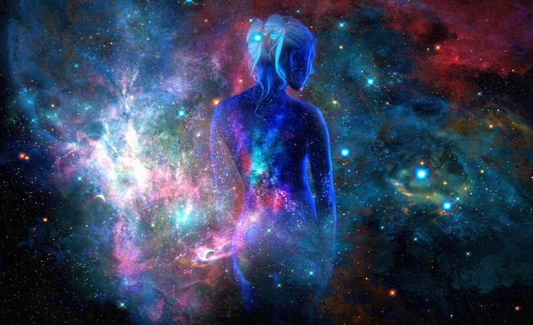 женщина космос