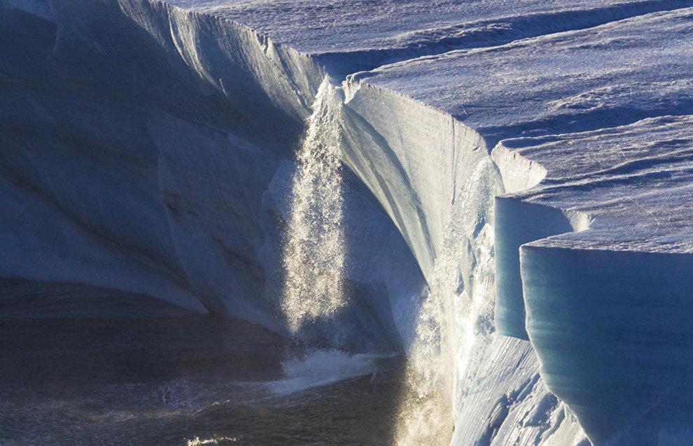 C:\Users\1\Pictures\Водопад с ледника.jpg