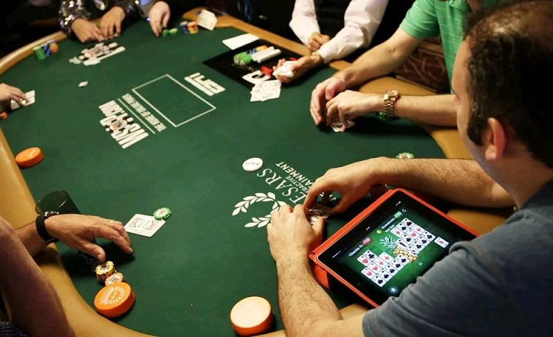 играть онлайн в покер
