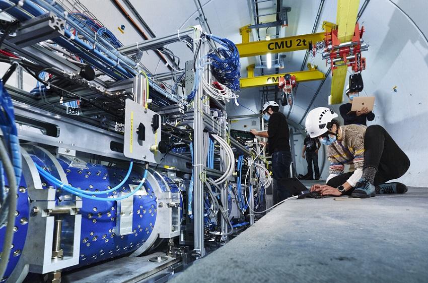Эксперимент FASER будет изучать частицы, взаимодействующие с темной материей