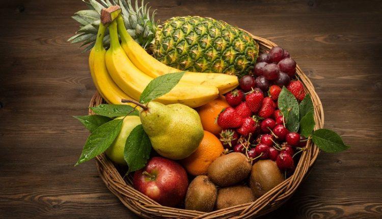 Что полезней сок или фрукт?