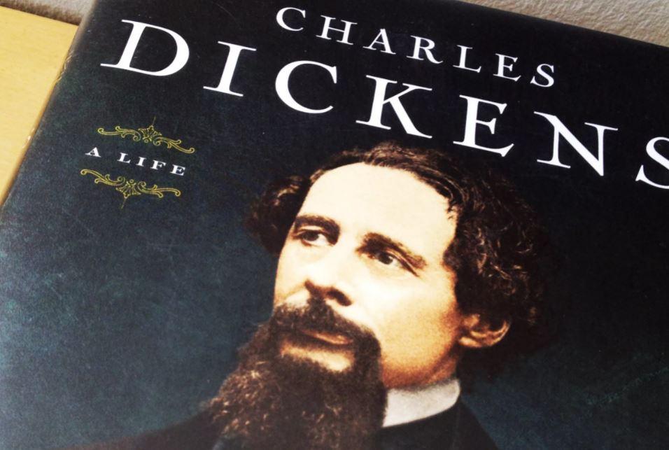 Сколько романов написал Чарльз Диккенс?