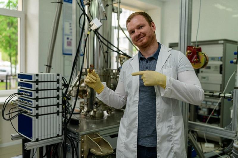 Физики заставили фотоны дружить с магнонами
