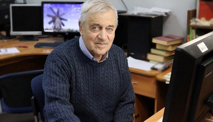 Ученый СПбГУ Валерий Запасский
