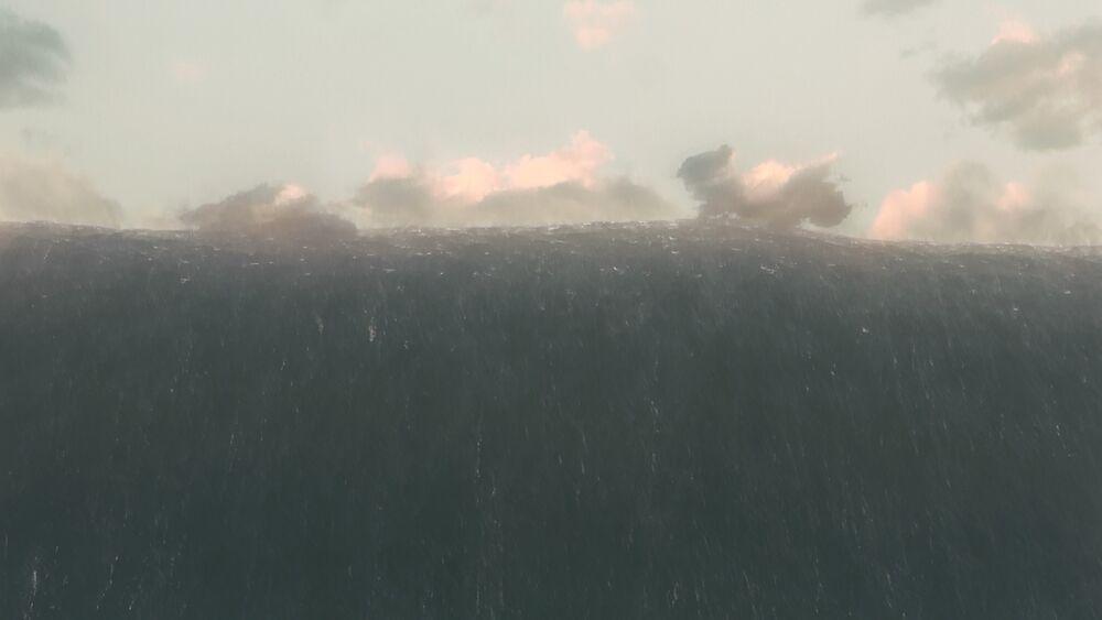 Приливная волна на планете Миллер.