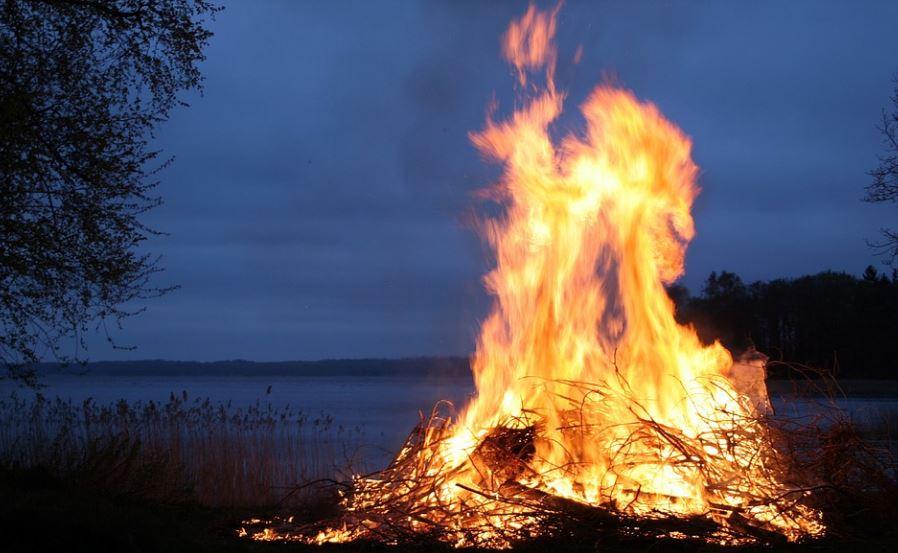 Огонь содержит плазму?