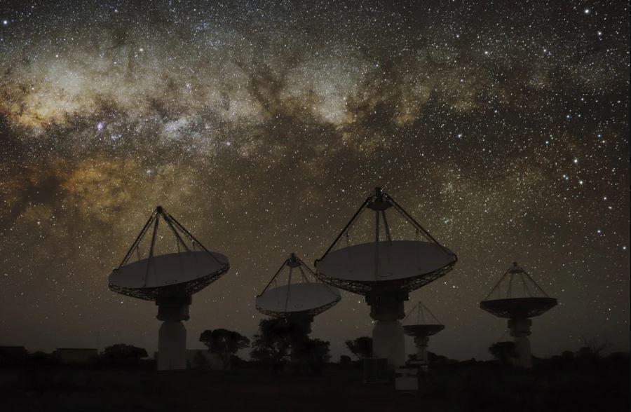 Таинственный радиосигнал из центра галактики может быть новым астрономическим объектом