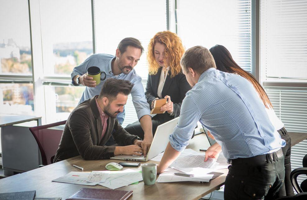 как компании выбирают учебные центры для своих сотрудников
