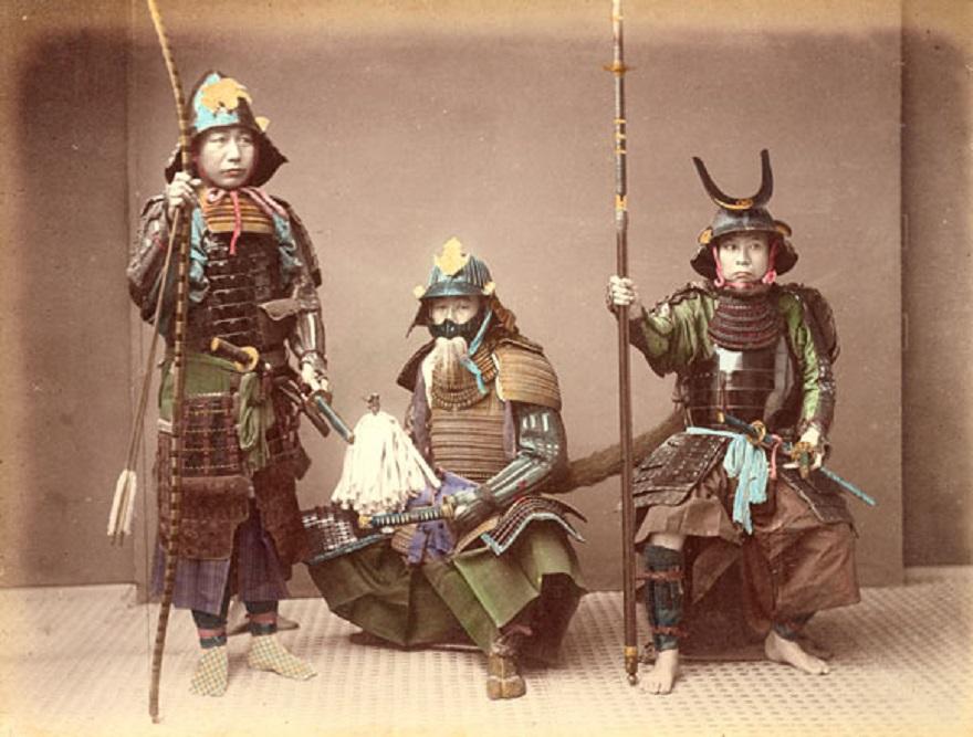 Японские самураи в доспехах