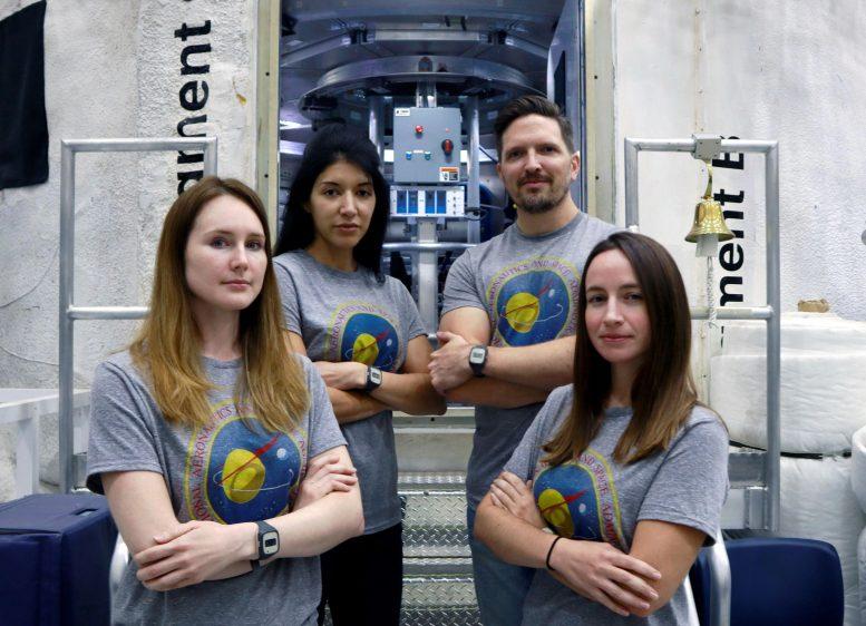 Выбран экипаж для 45-дневного имитационного полета к Фобосу