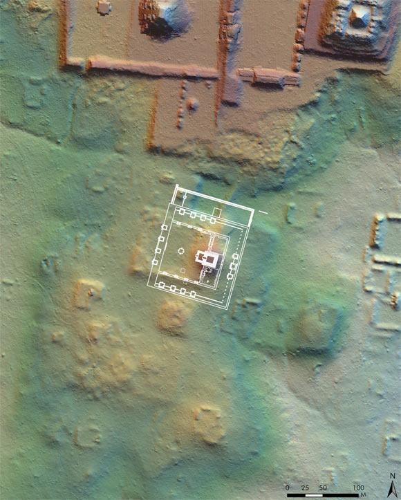 Наложение Теотиуаканской Сьюдаделы на территорию в Тикале